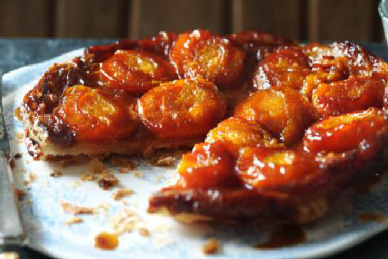 Caramelized apricot tart