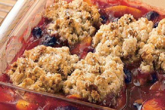 Blueberry cobbler with peaches and raspberries - A recipe by wefacecook.com