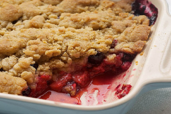 Apple blueberry crisp - A recipe by wefacecook.com