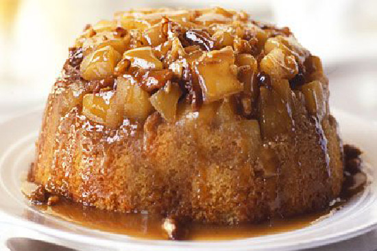 English apple pudding with rum sauce - A recipe by Epicuriantime.com