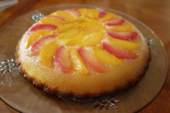 Upside-down peach cake - A recipe by Epicuriantime.com