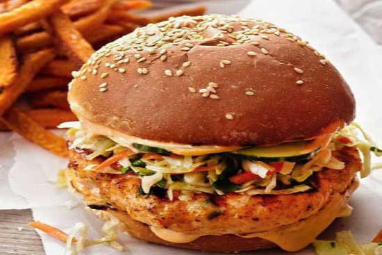 Salmon burgers with cole slaw - A recipe by Epicuriantime.com