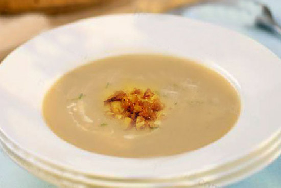 Celery chestnut and apple soup - A recipe by wefacecook.com