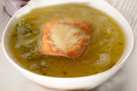 Roasted onion and garlic soup - A recipe by Epicuriantime.com