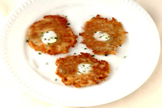Potato latkes - A recipe by Epicuriantime.com