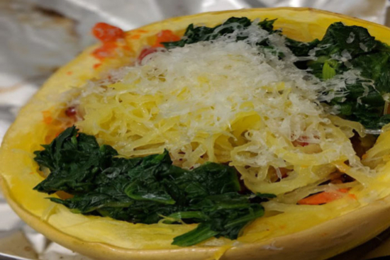 Baked spaghetti squash with spinach and cheese - A recipe by Epicuriantime.com
