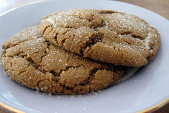Ginger molasses cookies big and soft  - A recipe by Epicuriantime.com