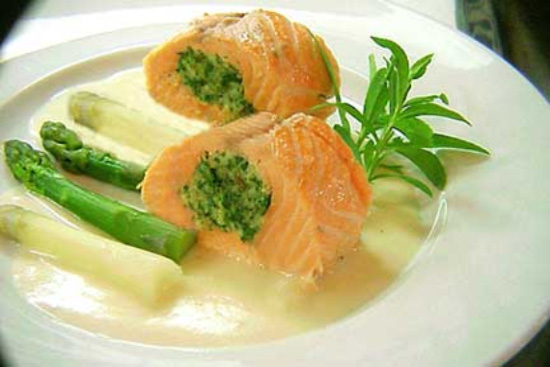 Stuffed salmon fillet - A recipe by Epicuriantime.com