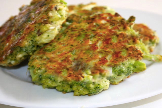 Kale fritters - A recipe by Epicuriantime.com