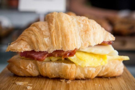 Breakfast croissants with scrambled eggs - A recipe by Epicuriantime.com
