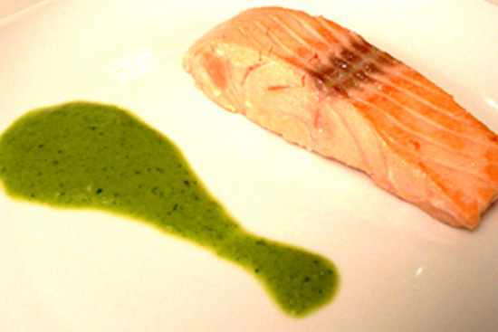 Fillet of salmon with sorrel sauce