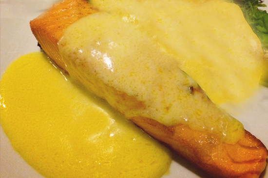 Fried salmon steaks with white wine sauce - A recipe by Epicuriantime.com