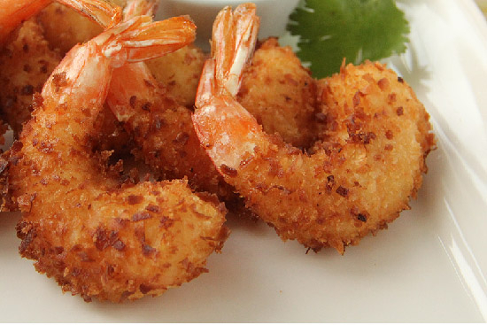 Coconut shrimp with sweet chili sauce - A recipe by Epicuriantime.com