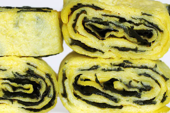 Tamagoyaki - japanese rolled omelette - A recipe by Epicuriantime.com