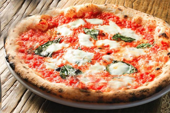 Neapolitan pizza for a home kitchen - A recipe by Epicuriantime.com